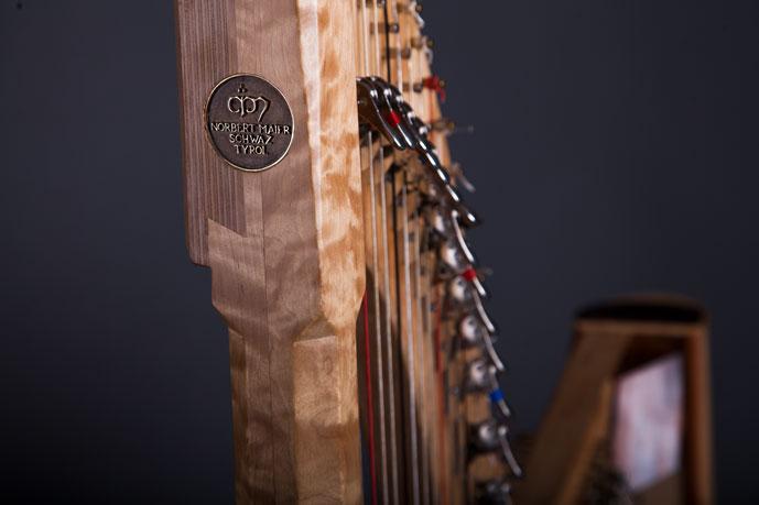 Harfe Balladeer Folk Detail