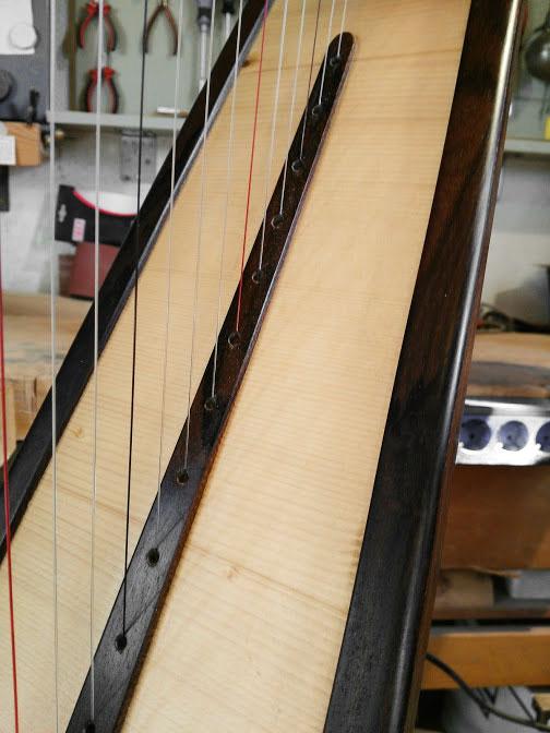 Pedalharfe Fichtendecke mit Palisander Holz